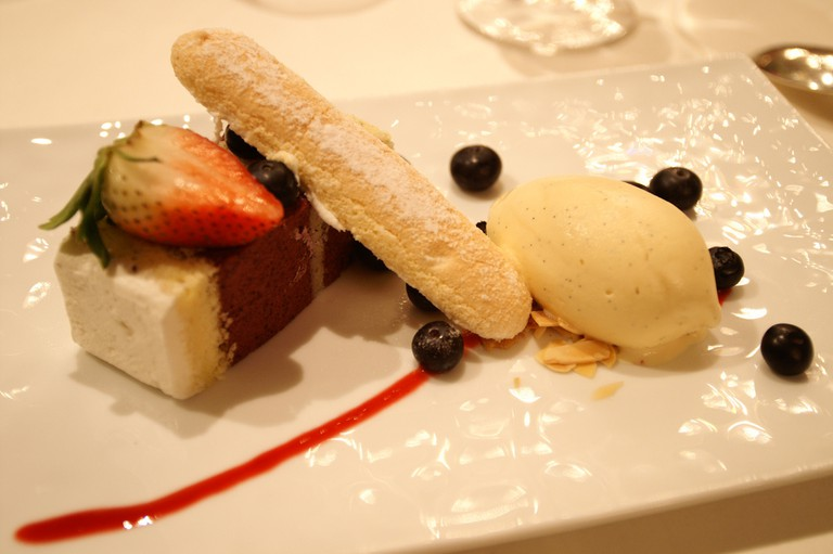 Dessert at Maison Paul Bocuse | ©Hideyuki KAMON/Flickr