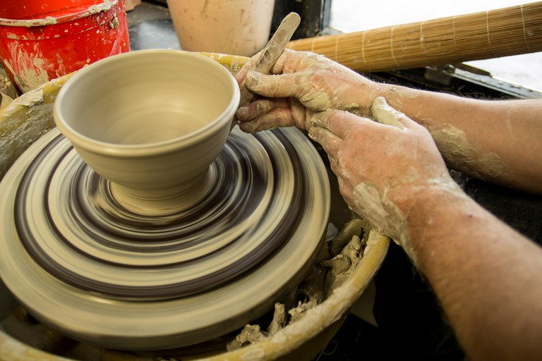 Throwing Pottery Bowl | ©Stevesworldofphotos/Flickr