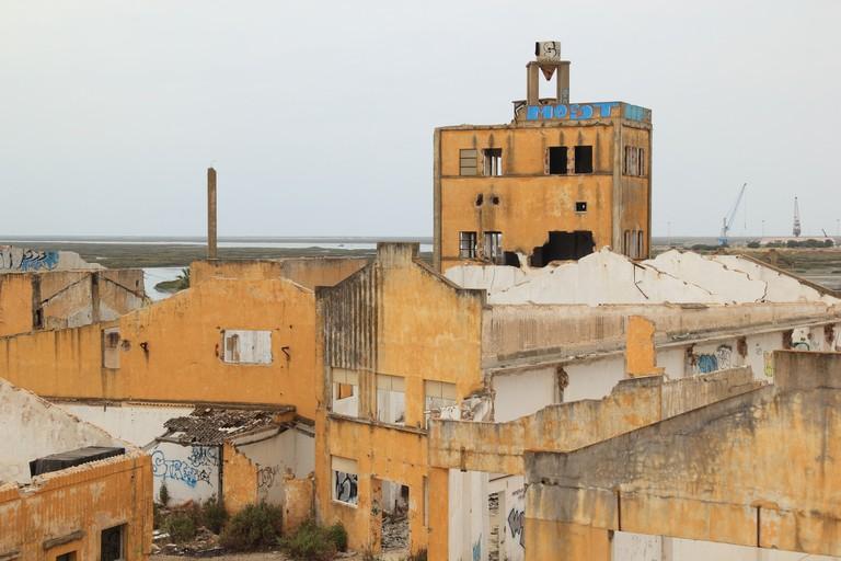 Abandoned Factory, Faro   © olafpictures / pixabay