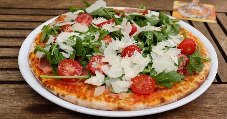 Freshly Baked Pizza| ©Diekatrin/Flickr