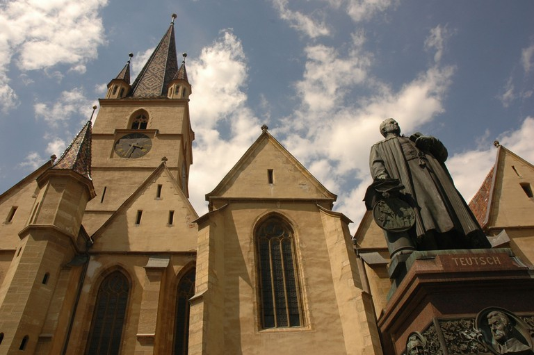 Evangelical Church of Sibiu © ionasnicolae/Pixabay