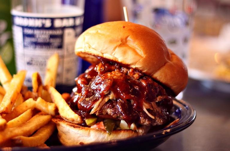 Pulled Pork Burger | ©Jerry Huddleston/Flickr