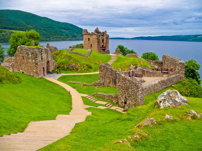 Urquhart Castle Loch Ness ©Shadowgate