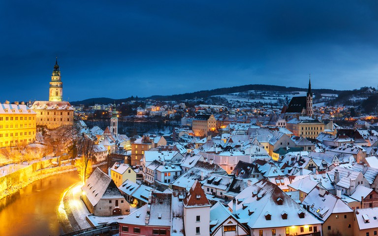Panoramic view of Cesky Krumlov in winter © River34 / Shutterstock