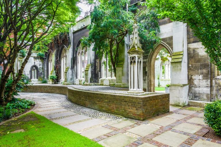 St. Dunstan-in-the-East   © I Wei Huang/Shutterstock