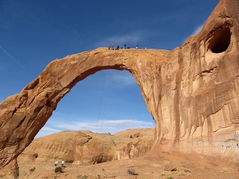 Rope Swingers, Corona Arch, Near Moab   ©Ken Lund/Flickr