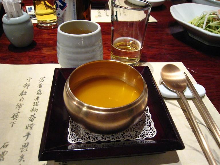 Korean_pumpkin_porridge-Hobakjuk-01
