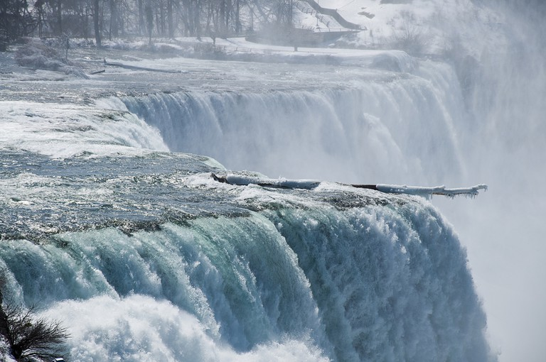 A Beautiful View of Niagra Falls During Winter ©scnhnc052008 / Shutterstock