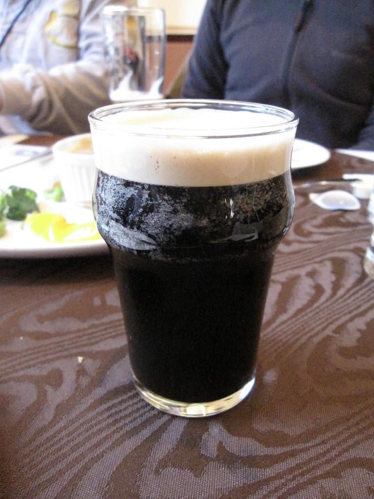 Swan Lake Real Ale | ©mari/Flickr