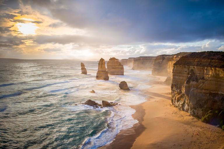 Twelve Apostles, Australia © Silen2e / Shutterstock