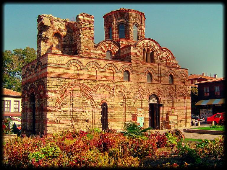 Ancient castle in Nessebar, Bulgaria   © Axel Schwenke/Flickr