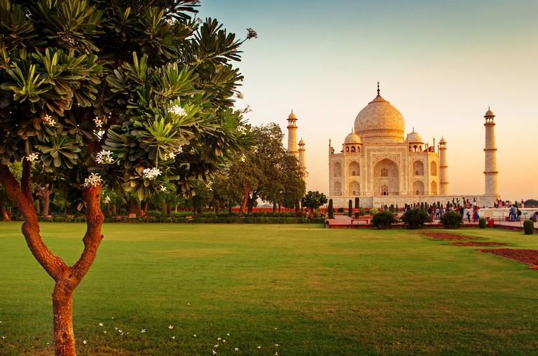 Taj Mahal in Agra, Uttar Pradesh, India | © Byelikova Oksana/Shutterstock