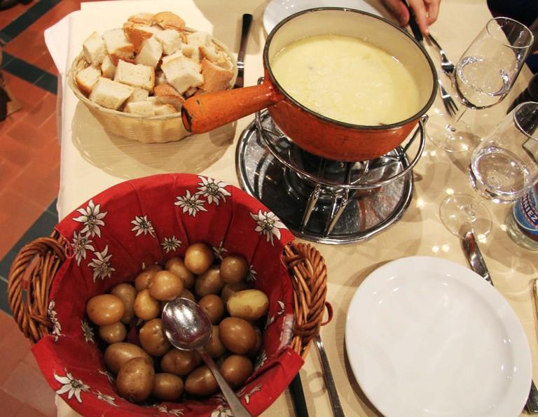 Cheese fondue © Sophie Knight