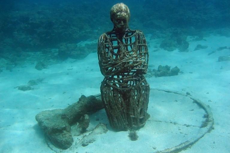 """The underwater sculpture """"Sienna"""" ©"""