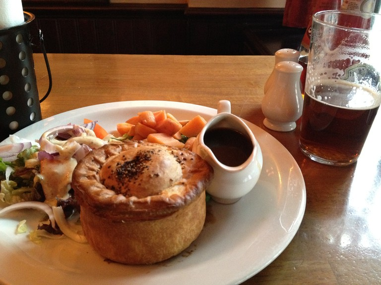 Steak and Ale Pie at the Pub | ©h2theE/Flickr