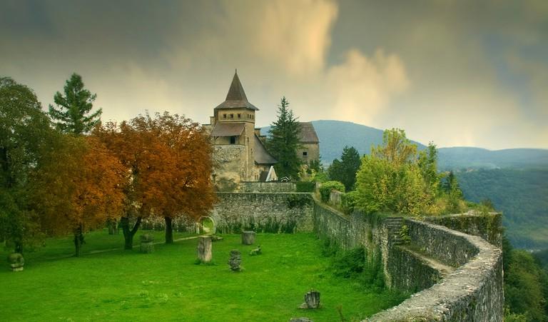 Ostrožac Castle ©Edin Ramic / Shutterstock