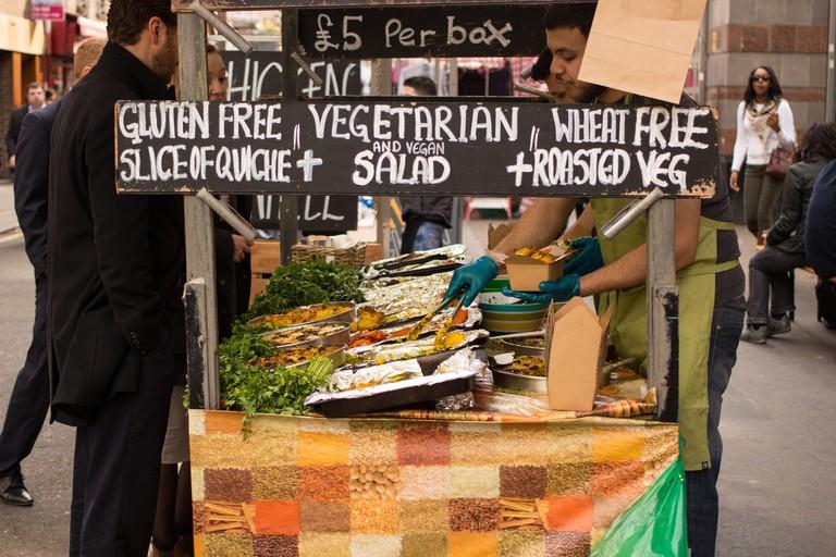 Food Stall at Leather Lane Market | © Jim Le / flickr