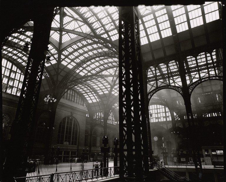 1930s - Penn Station, Interior, Manhattan (Berenice Abbott) | © Tomáš Marounek/Flickr