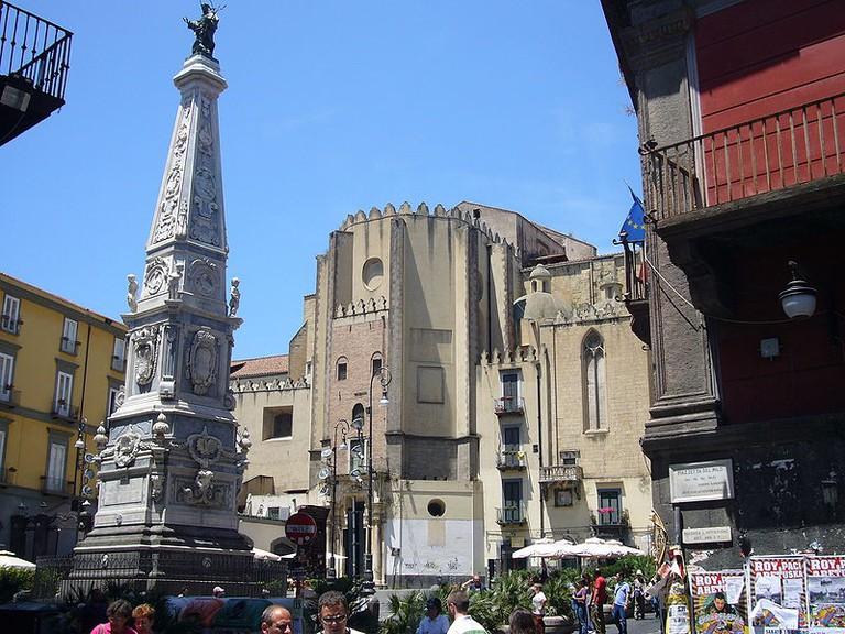 Piazza San Domenico, Naples |© Wikimedia Commons