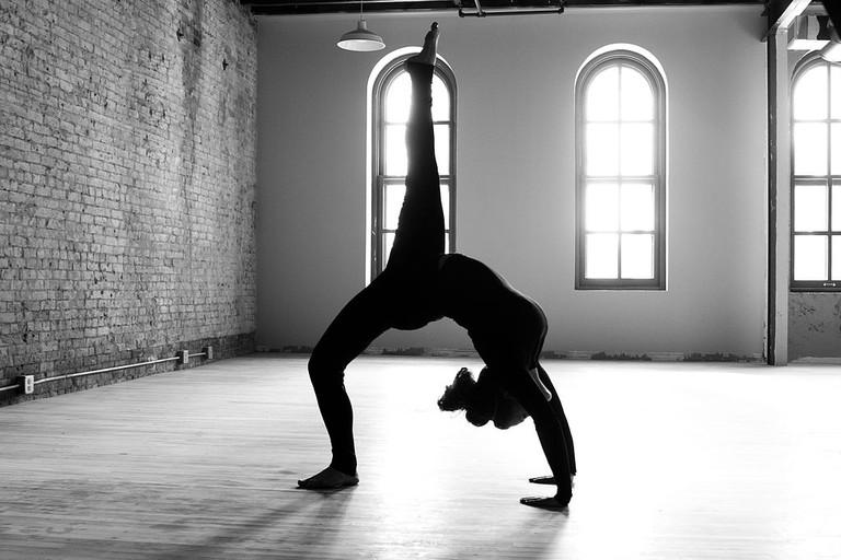 Yoga pose © Joel Nilsson/WikiCommons