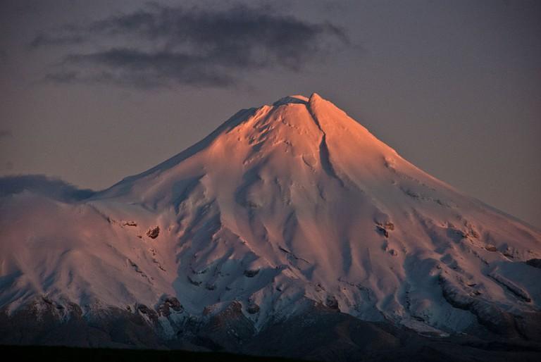 Taranaki daybreak   © PDTillman/Wikicommons