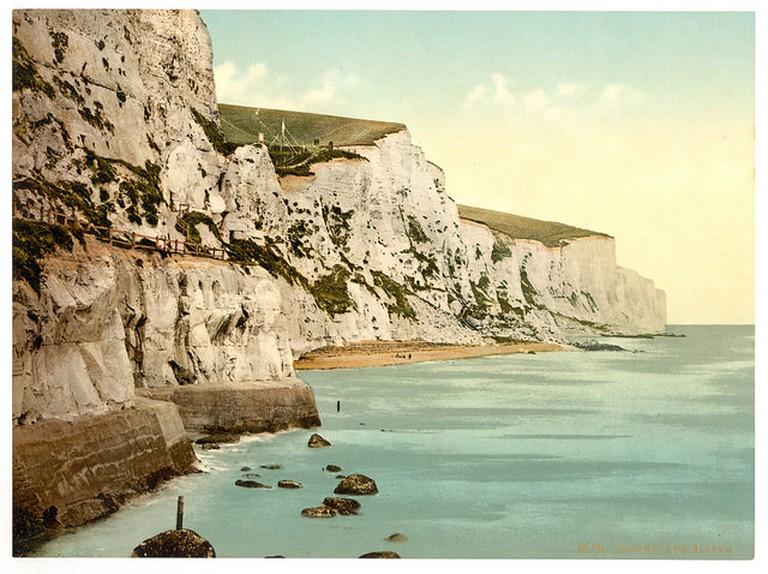 The White Cliffs of Dover | © Ashley Van Haeften/ Flickr