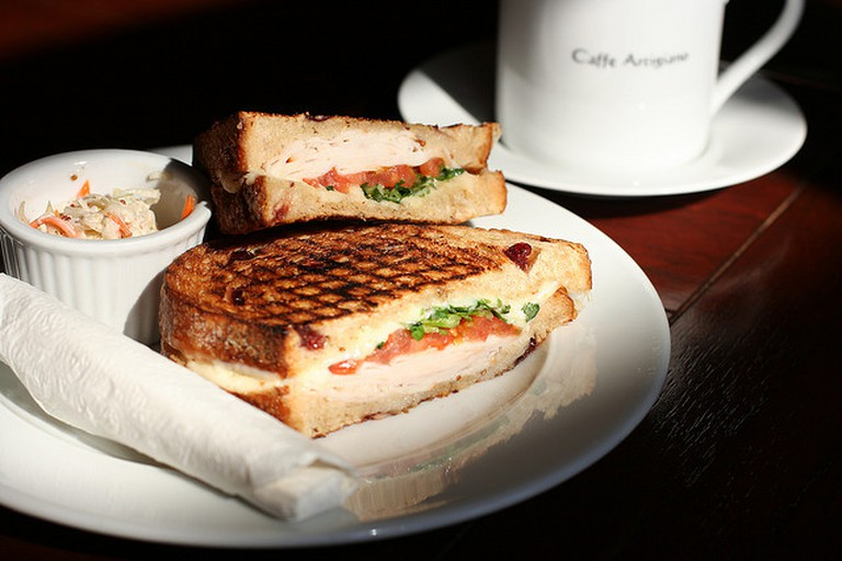 Coffee and sandwitch | © Geoff Peters/flickr