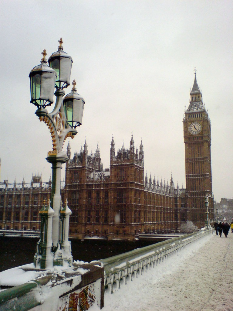 Snow-capped Big Ben | © Simon & Vicki / Flickr