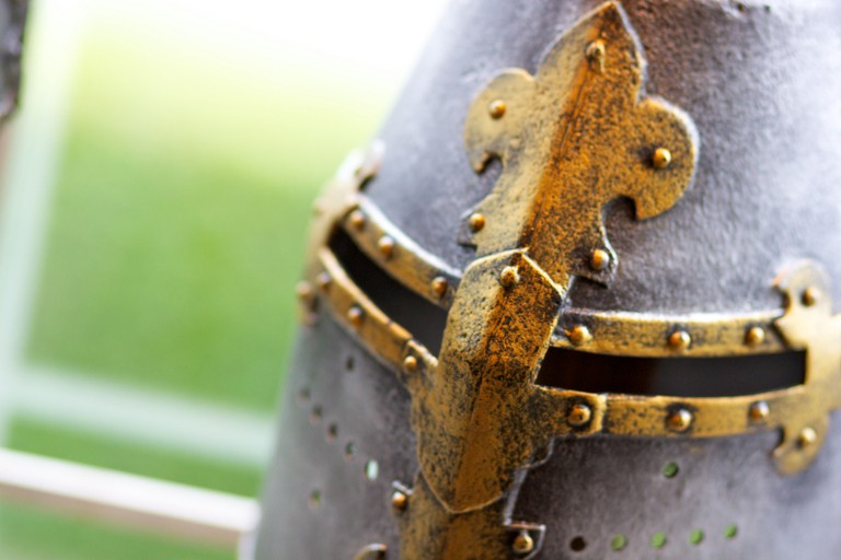 A Knight's helmet | © Bryn Salisbury/Flickr