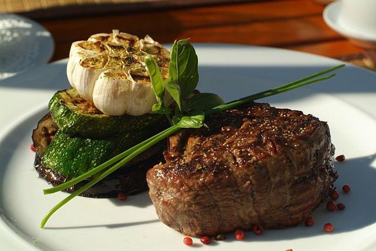 Steak | © Starstone/Wikimedia Commons