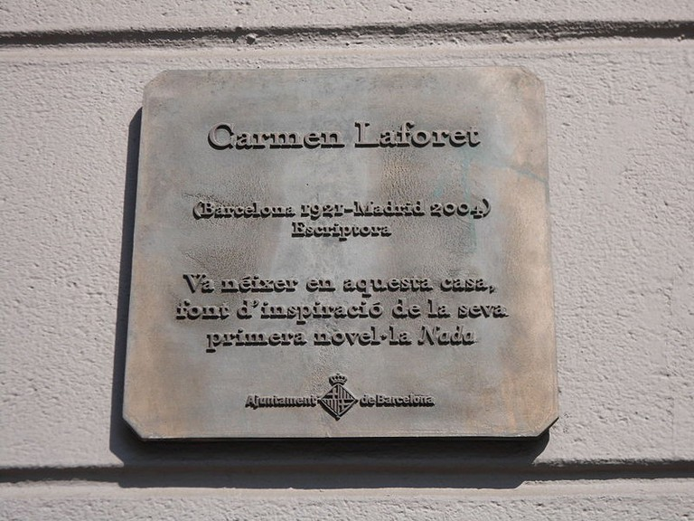 A plaque commemorating the building where Carmen Laforet was born