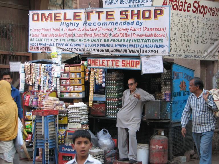 Omelette Shop © Michael Clarke / Flickr