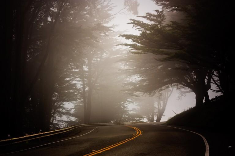 A beautiful foggy road | © Mkrause/Pixabay