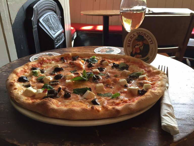 http://whiterabbitpizza.com Pizza and Beer | Courtesy of Philippa Farrow