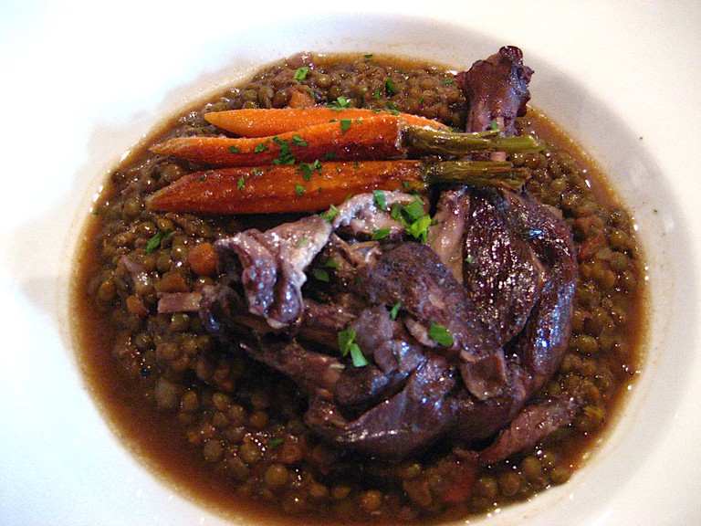Braised duck leg with lentils | © Timothy Vollmer/Flickr