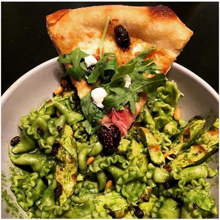 Prosciutto Mozzarella Pizza | © texasfoodgawker