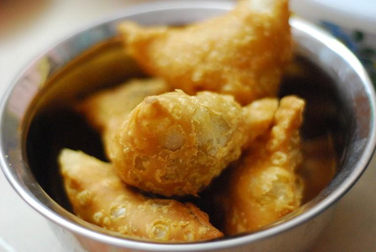 Samosa, Late Breakfast Snack| © Kalyan Kanuri/WikiCommons