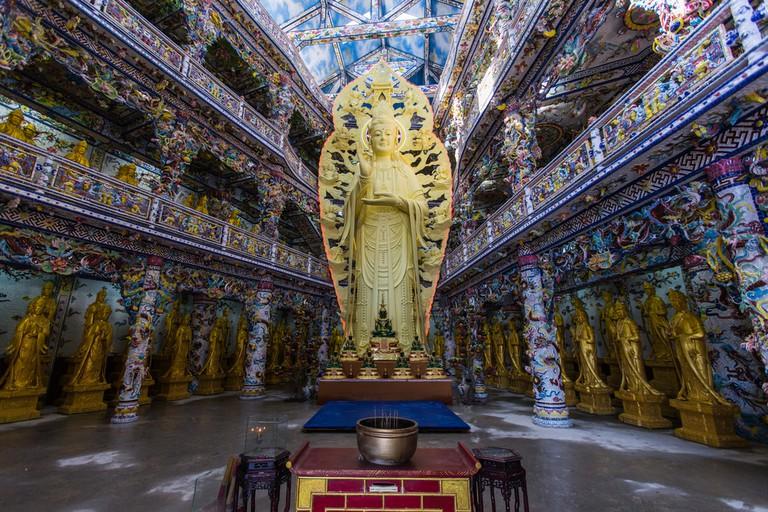 Buddhist temple in surroundings of Dalat ©Alexandr Medvedkov / Shutterstock