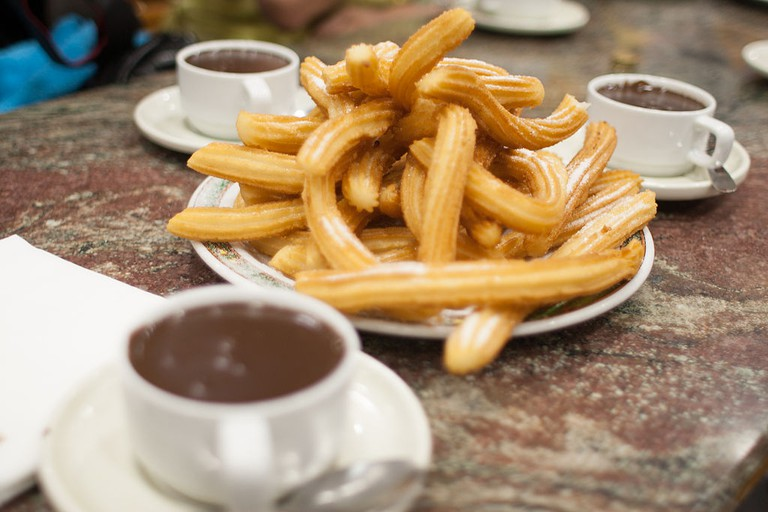 Churros con chocolate © Tim Lucas/WikiCommons