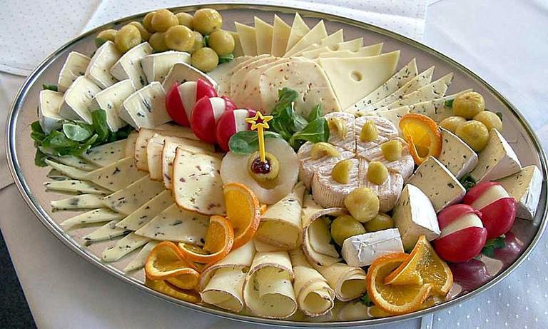 Cheese Platter © Dorina Andress (Wikicommons)