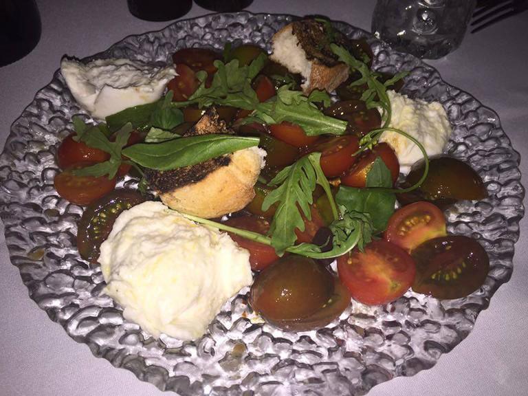 Cherry Tomato and Mozzarella Salad at Social Club| © Cleaneatz