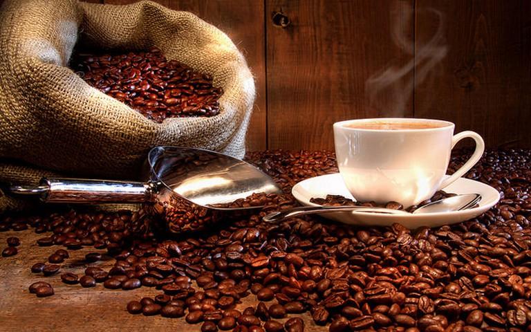 Roasting fresh coffee © Michael Stern/Flickr