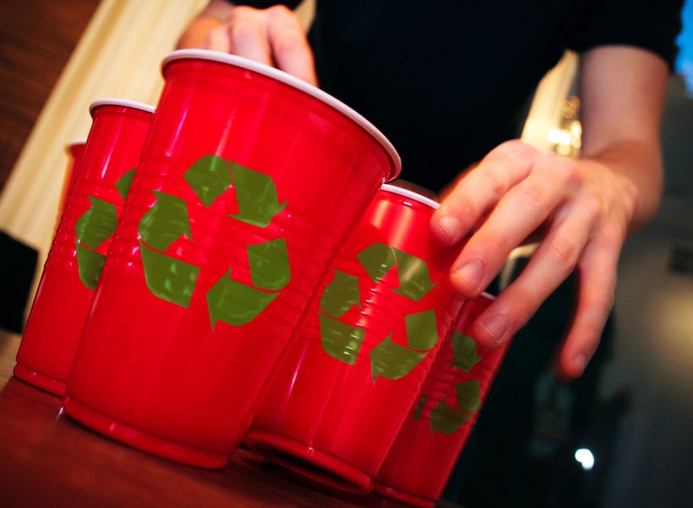 recycle these cups | © Eric/Flickr