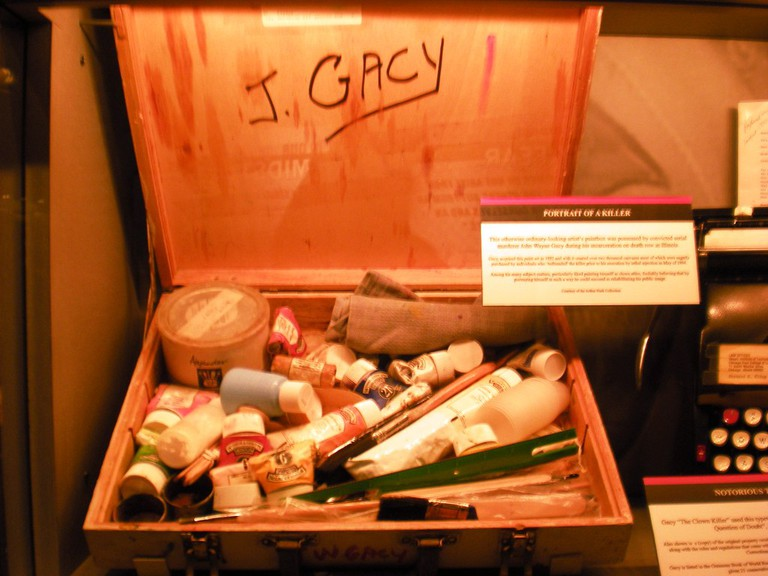 Gacy's personal paint and art kit | © Sarah Stierch/Flickr
