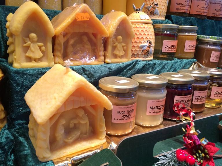 Jars of Honey and Candles at Kerosene Studio Poennighaus | © Benita Gingerella