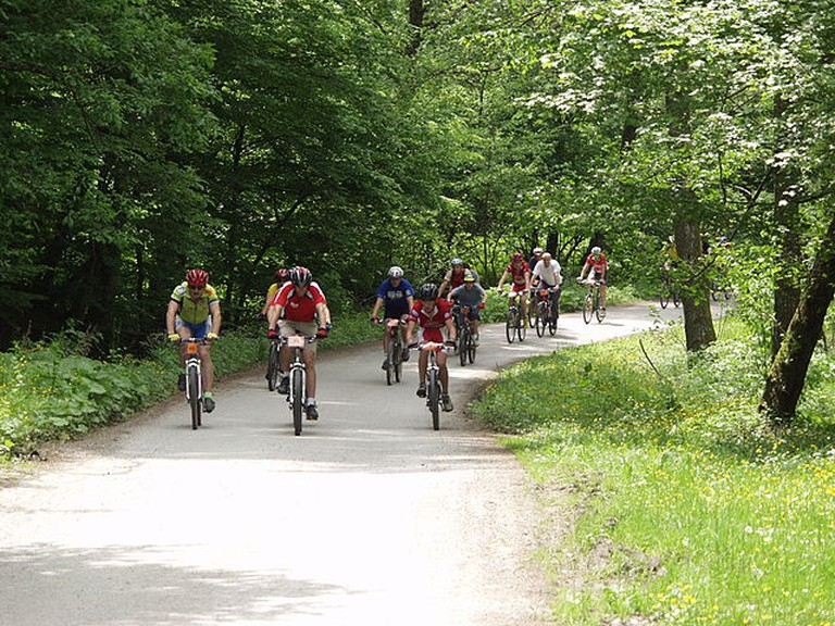 Mountain Biking| © Gpavic/WikiCommons