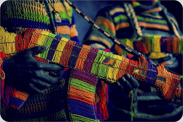 "Ralph Ziman Murarabungu Chigwagawag 4, ""Rainbow Machine Guns"" (detail) 64″ x 44″| © C.A.V.E. Gallery"