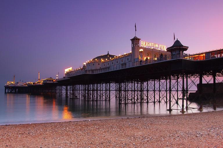 Brighton Pier at dusk| © hozinja / wikipedia