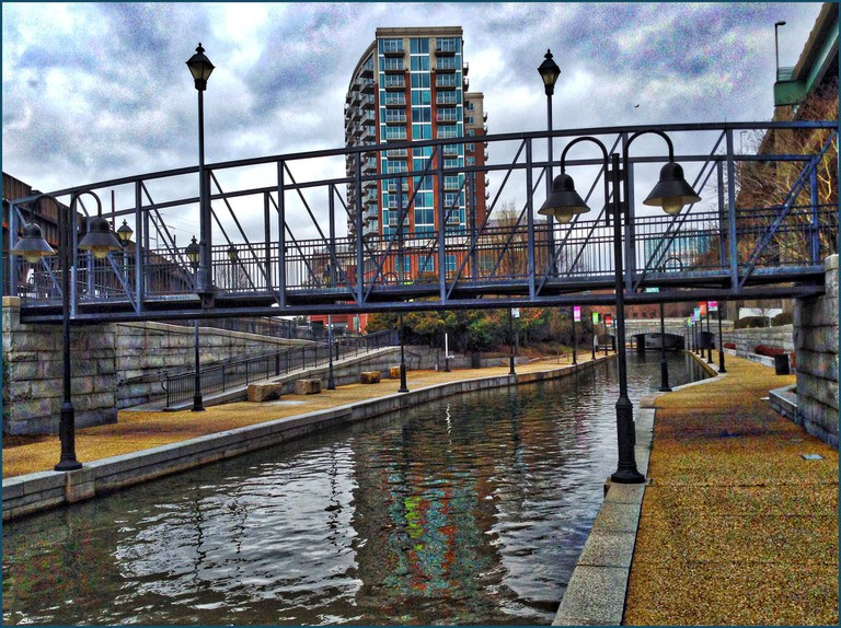 View West from the 'Triple Crossing' -- Richmond (VA) Canal Walk April 2015 | ©Ron Cogswell/Flickr