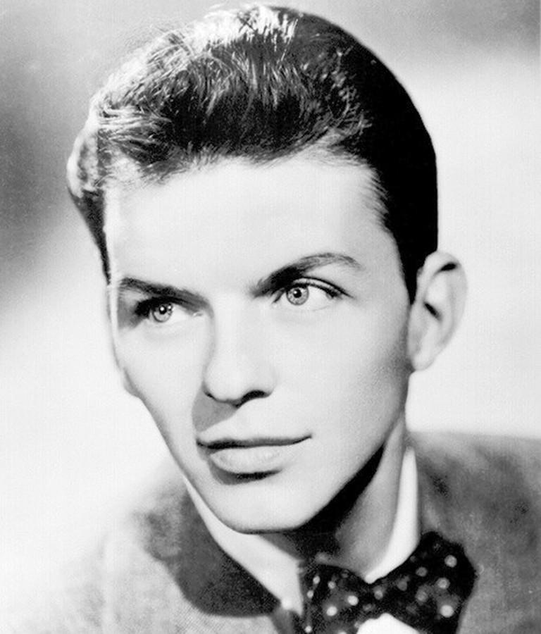 Frank Sinatra in a bow tie   © Calliopejen1/WikiCommons
